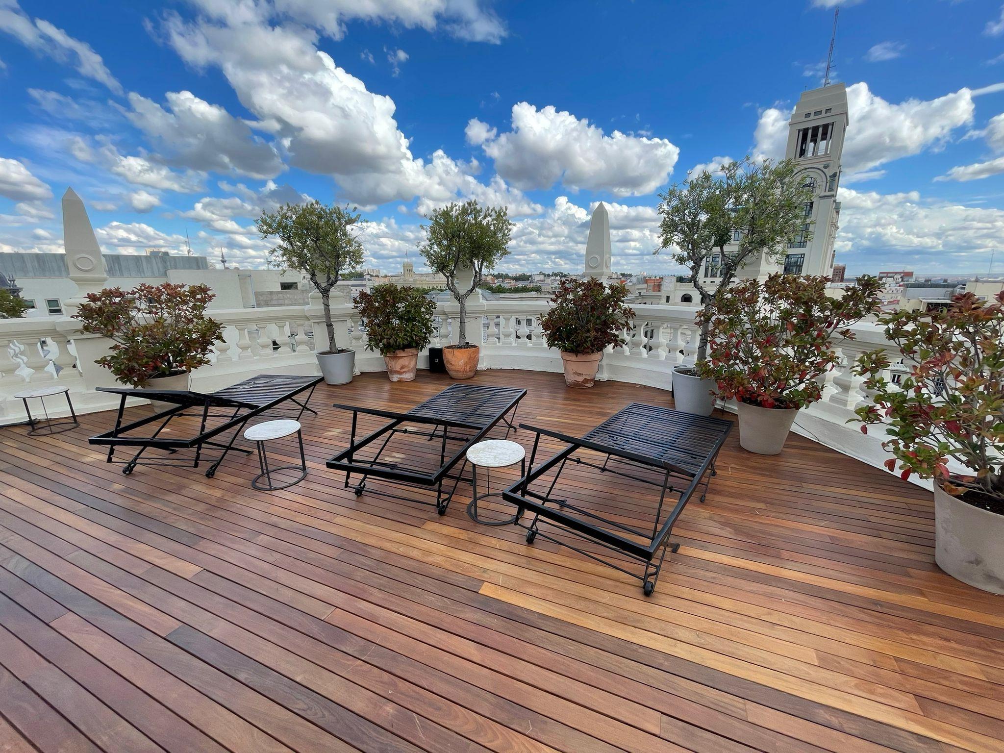 Exterpark Outdoorparkett in IPE 5-Sterne Hotel Madrid
